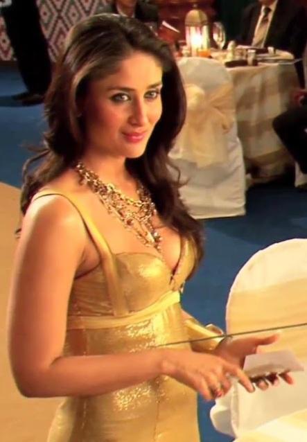Kareena Cleavage Show In Golden Dress  Santabantacom